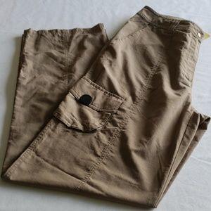 Magellan Travel Pants Size 8